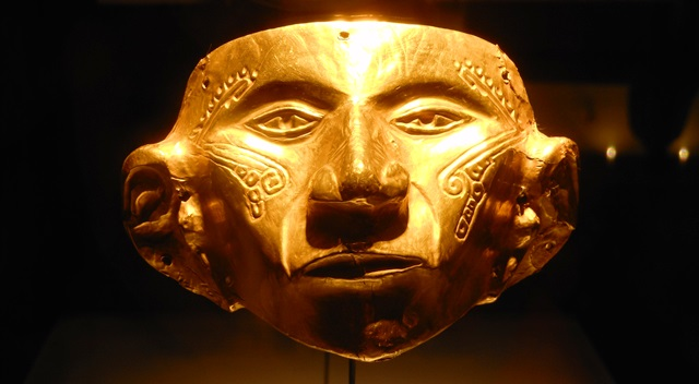 THANKFULLY THE GOLD MUSEUM IN BOGOTA HOUSES A SUPERB COLLECTION OF GOLD AND CERAMIC OBJECTS FROM THE PRE-HISPANIC PERIOD. IN THE HOPE OF FREEING THEIR EMPEROR, ATAHUALPA, THE INCAS FILLED A CELL WITH ELABORATE GOLD OBJECTS LIKE THE ONE ABOVE. THE CONQUISTADOR FRANCISCO PIZARRO MELTED IT ALL INTO GOLD BARS.