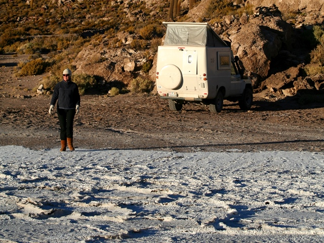 THE SALA DE UYUNI, BOLIVIA. WE WERE NITHERED WAY BEFORE THE SUN DROPPED. THE WHITE IN THE FOREGROUND IS ACTUALLY SALT AND NOT SNOW. I NEVER KNEW SALT WAS SO COLD!